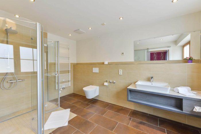 das Schwanstein Doppelzimmer Bad
